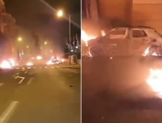 Franse badplaats Fréjus opgeschrikt door nachtelijk geweld: politie in hinderlaag gelokt, auto's in brand gestoken
