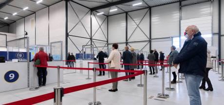 Vaccinatielocaties Tilburg en Den Bosch dicht: Waalwijk blijft open