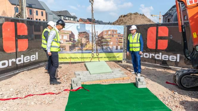 """Eerste steenlegging voor Hof Van Saeys: """"Feestelijke start voor stadsvernieuwingsproject"""""""