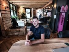 Een goed gesprek over geluk, liefde en geloof in een pittoresk café in Aalten