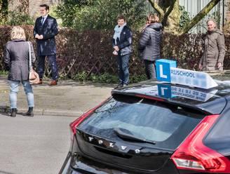 Rijswijkse buurt wordt gek van lesauto's die er oefenen: 'Ideaal voor bochtje achteruit'