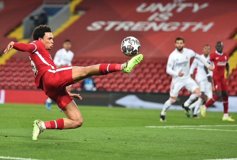 Trent Alexander-Arnold van FC Liverpool in actie Real Madrid. Beeld EPA