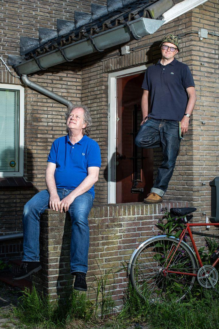 Amsterdam, 31-05-2021, Amsterdam-Noord, Buiksloterweg 5a. Portret van Ferry Roseboom (rechts) en Frans Hagenaars (links) voor het pand van Excelsior. Beeld Nosh Neneh