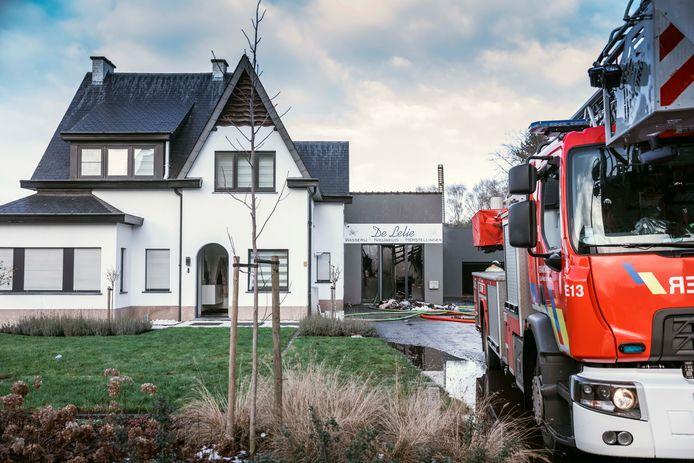 Brand bij wasserij De Lelie in de Turfstraat in Beringen-Mijn.