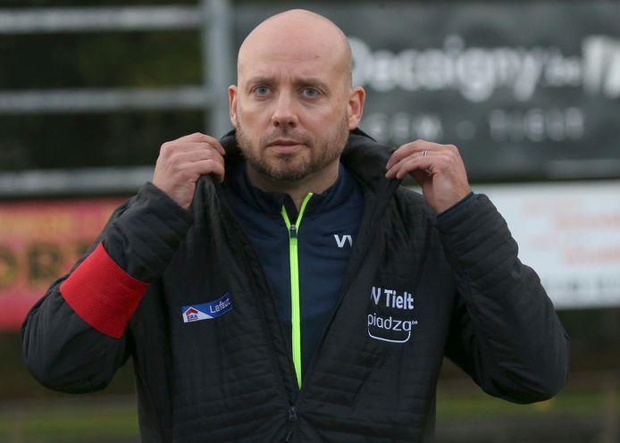 Cedric Renard blijft ook volgend seizoen coach van tweedeprovincialer VV Tielt