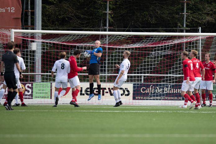 Achilles'12 - SDC'12 eindigde in 2-0 voor de ploeg uit Hengelo.