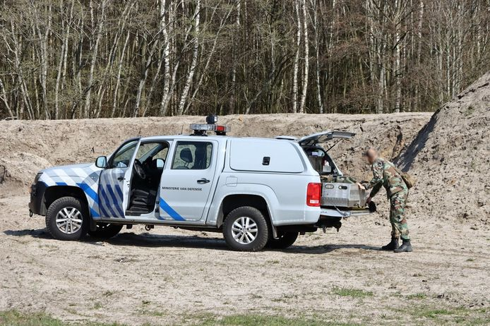 De Explosieven Opruimingsdienst maakte de bom onschadelijk op Vliegveld Twente.