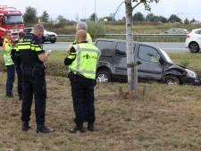 Auto belandt in de sloot op A50 bij Sint-Oedenrode