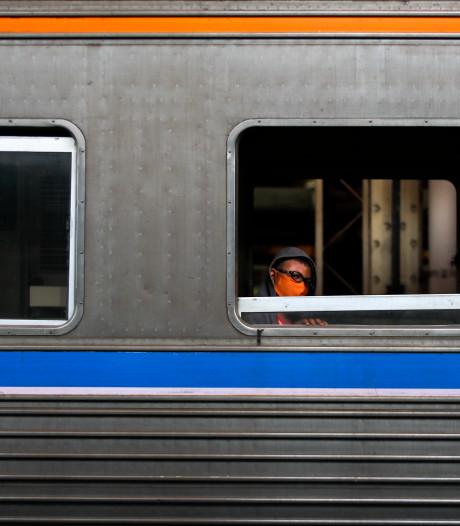 Thaise man met corona spuugt treinreiziger in het gezicht en overlijdt zelf kort daarna