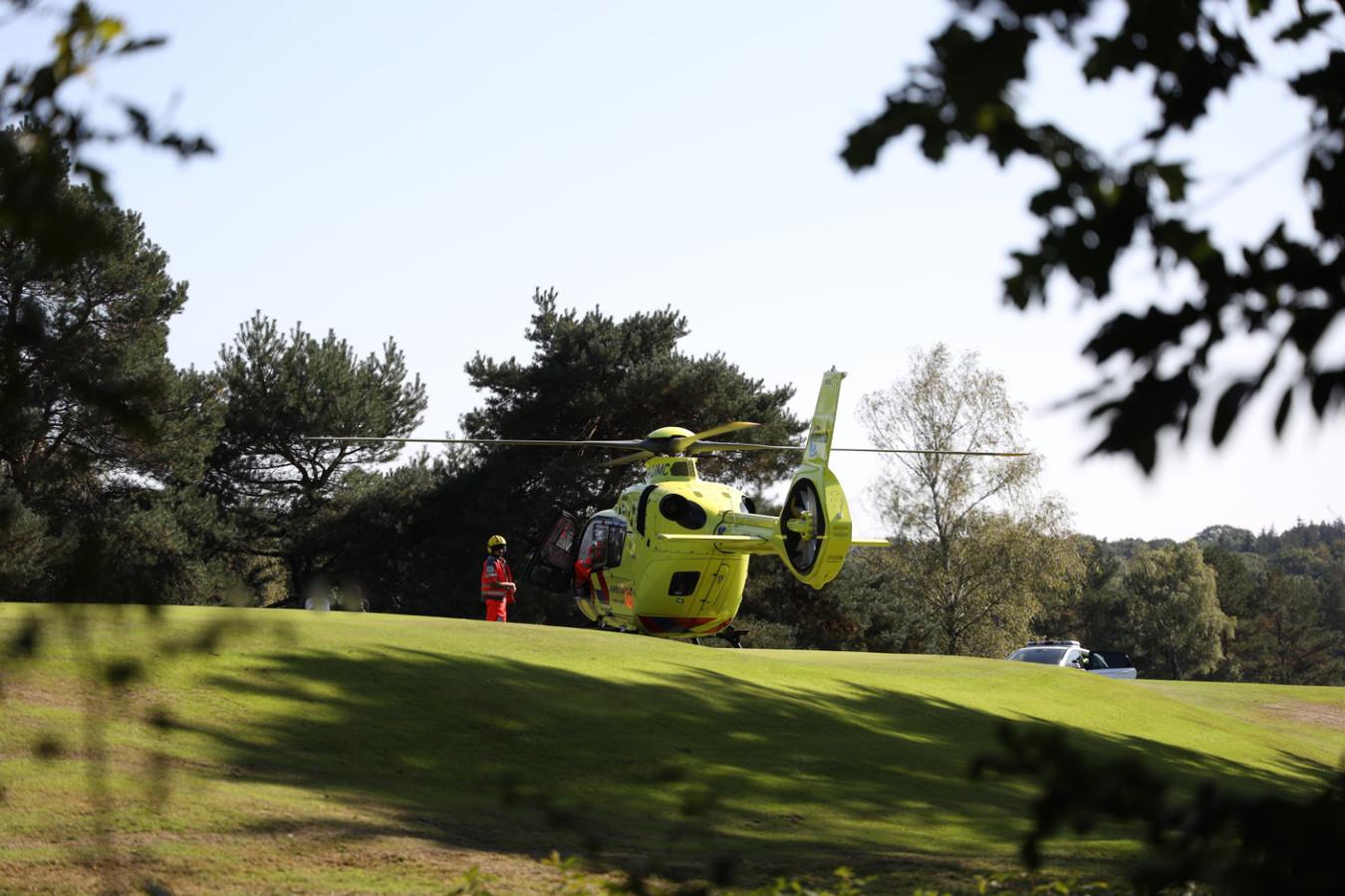 Een man werd op de green van de Edese golfclub in Arnhem gestoken door een wesp. Daardoor kreeg hij een allergische reactie en moest hij worden gereanimeerd.