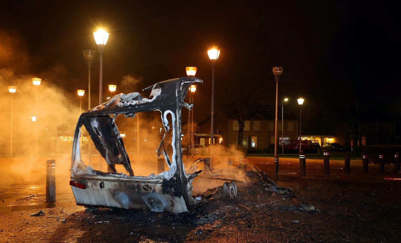 Caravan in vlammen op in Kerkdriel