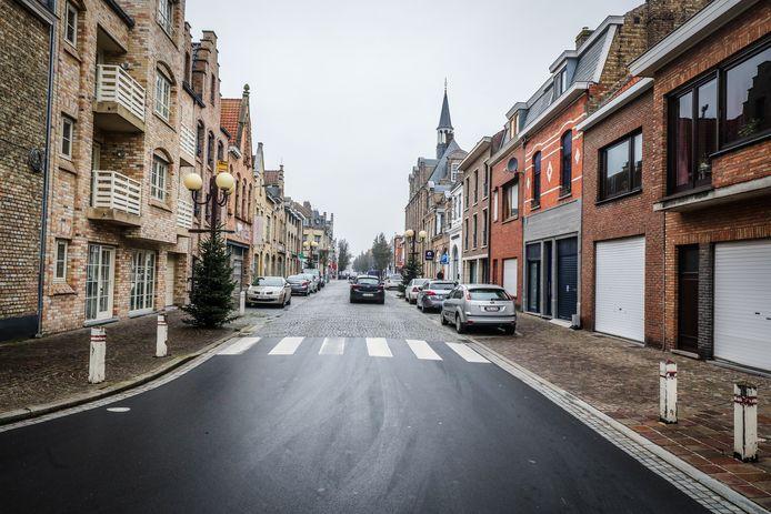 De Langestraat in Nieuwpoort, archieffoto november 2020.