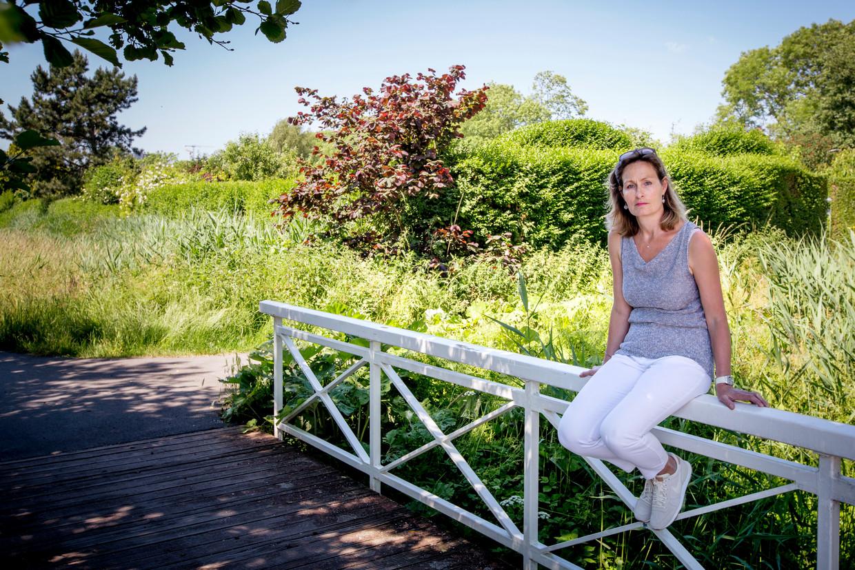 """Nathalie Kelderman """"Ik ben hoogopgeleid, ambitieus, maar heb meerdere keren gekampt met een depressie die mij het werken onmogelijk maakte."""""""