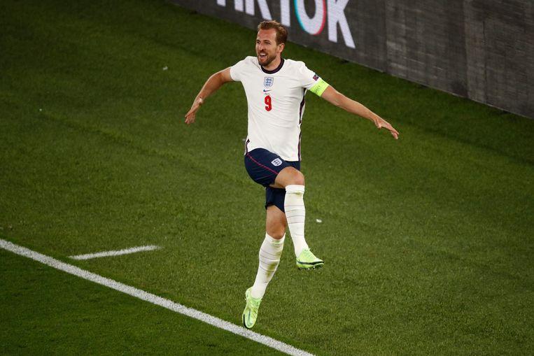 Harry Kane viert zijn tweede goal, de 0-3 voor Engeland. Beeld AFP