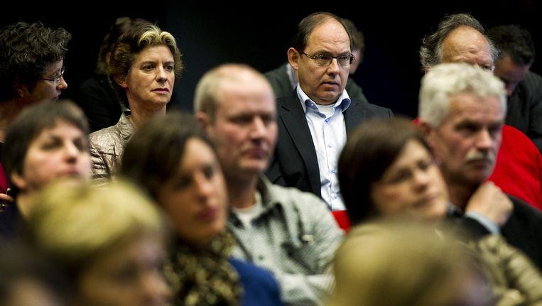 Oud ministers Gerda Verburg (L) en Ab Klink voorafgaand aan de openbare hoorzitting, door de Nationale ombudsman Alex Brenninkmeijer, over de rol van de overheid bij de bestrijding van de Q-koorts, 24 april 2012. Beeld ANP
