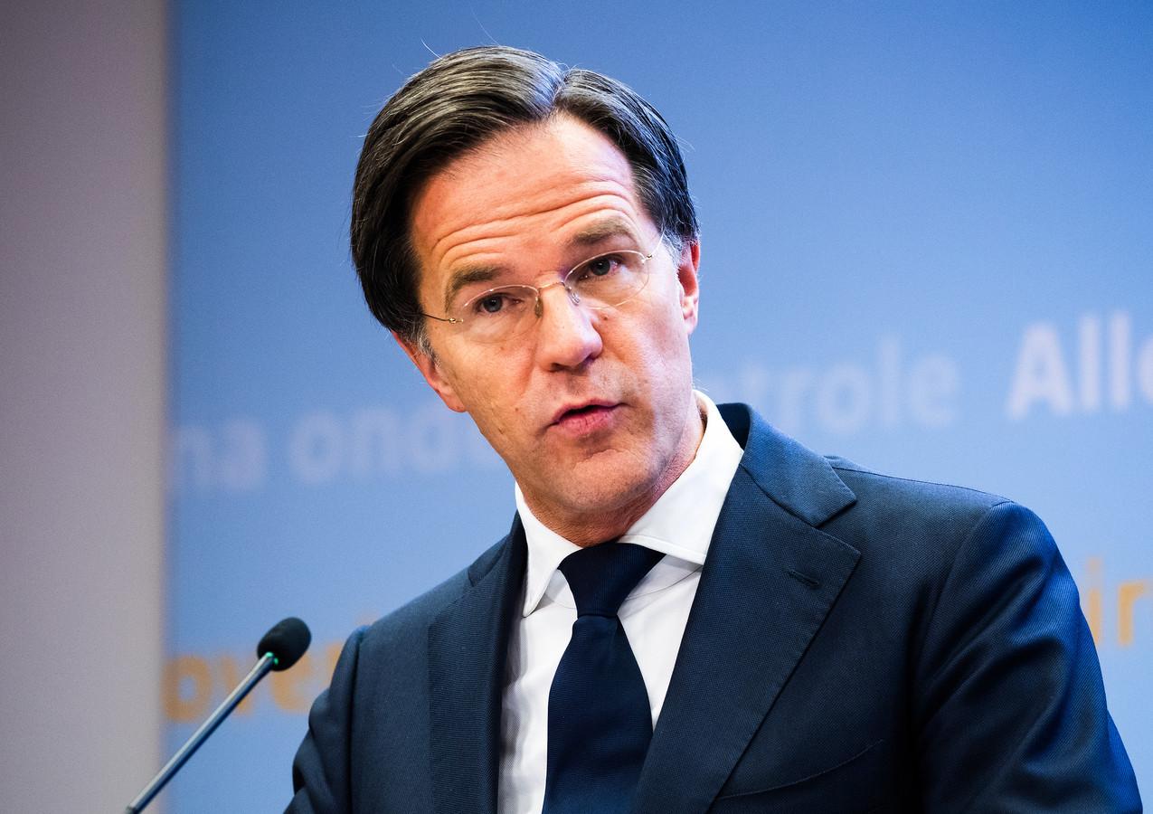 Premier Rutte tijdens de persconferentie vandaag. De omstreden avondklok moet dit weekeinde ingaan, als de Kamer akkoord gaat.