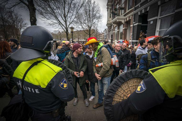Demonstranten nabij het Museumplein. Beeld ANP