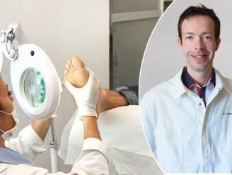 """Waar komen wratten vandaan en hoe raak je ervan verlost? Dermatoloog legt uit: """"Pruts of krab er niet aan, wratten zijn besmettelijk"""""""