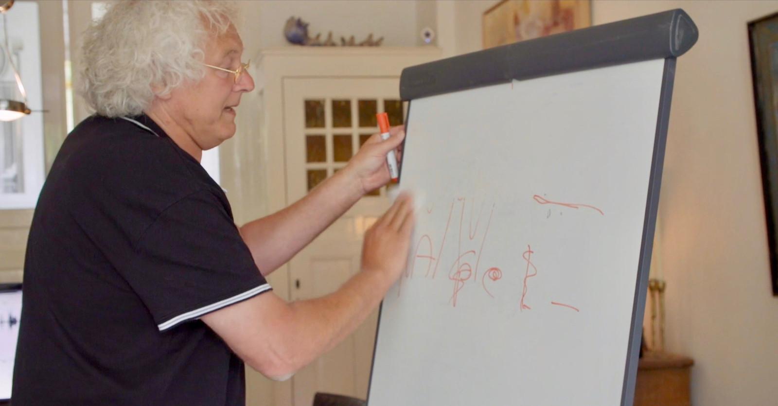 Arjan van Hessen, verbonden aan het EEMCS van de UT en onderzoeker op het gebied van taal- en spraaktechnologie.