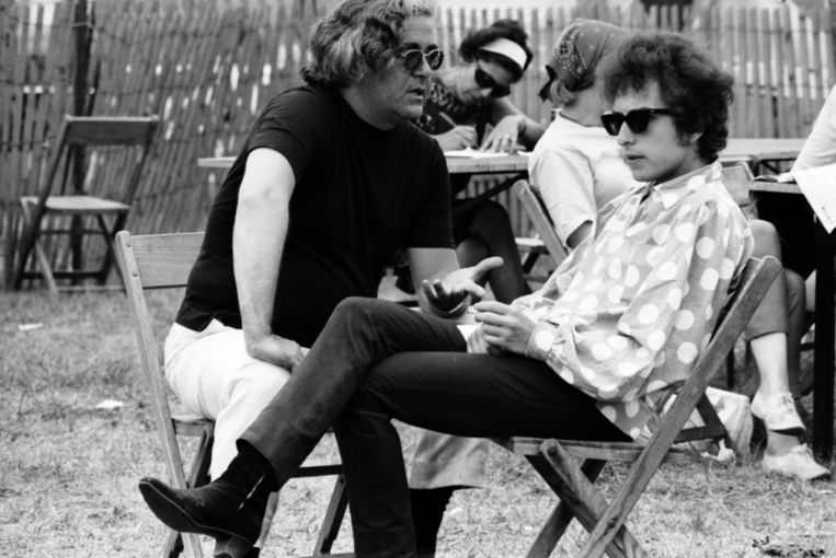 Albert Grossman met Bob Dylan (1965). Beeld Gamma / HH