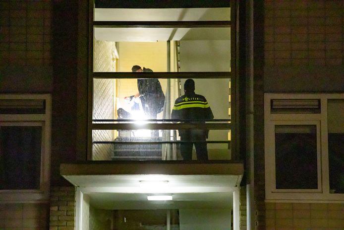 De politie heeft mannen aangehouden in Bussum en Naarden.