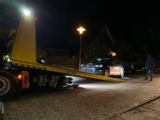 Inbrekers vluchten en laten huurauto achter in Vriezenveen