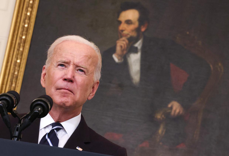 De Amerikaanse president Joe Biden tijdens zijn toespraak van donderdag waarin hij vergaande vaccinatiemaatregelen aankondigde. Beeld Getty Images