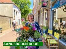 Diny Blom maakt prachtige bloemcreaties: 'Van bruidsboeketten tot rouwstukken'