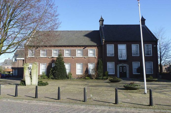 Gemeentehuis Aalburg.
