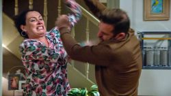 Partnergeweld in 'Familie' bereikt climax: Gloria gaat compleet over de rooie