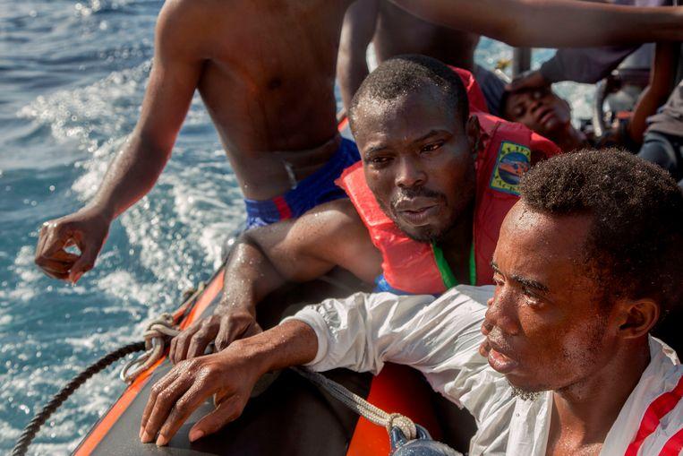 Geredde migranten op de Middellandse Zee op 6 november 2017.