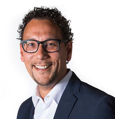 Het VVD-raadslid Willem Loupatty.