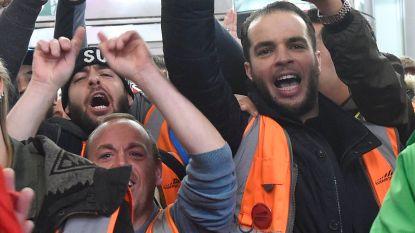 """Solidariteitsactie palmt vertrekhal Zaventem in: """"Allemaal slaven"""""""