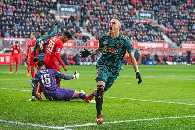 December 2019. Noa Lang scoort bij zijn debuut in de basis van Ajax drie keer tegen FC Twente. Ondanks dit visitekaartje weet hij geen vaste plek te veroveren bij de Amsterdammers. Beeld Guus Dubbelman / de Volkskrant