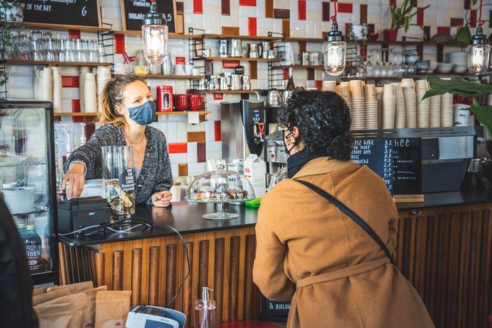 Ondanks de coronacrisis draaien de zaken goed bij Café Labath.