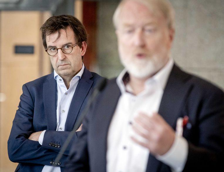 Diederik Gommers (links) en Jaap van Dissel, twee van de bekendste gezichten in het Outbreak Management Team. Beeld ANP