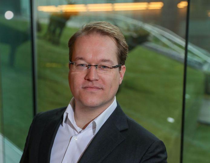 Maarten van Vierssen legt al na twee jaar zijn ambt neer. Hij ziet onvoldoende basis om door te gaan.