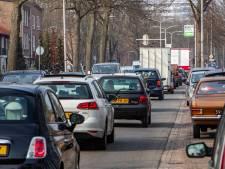 Drukke Van Oldenielstraat in Deventer woensdag dicht