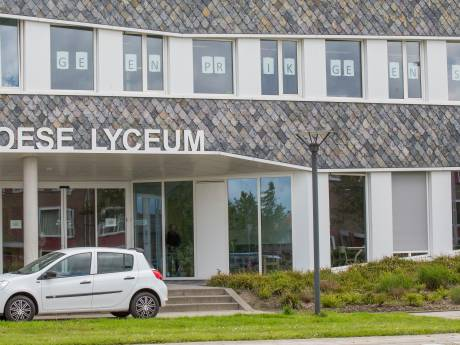 Examenleerlingen helpen Goese Lyceum uit de brand