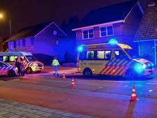 Twee gewonden bij aanrijding tussen snorfiets en auto in Geldrop