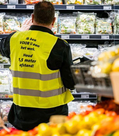 Supermarkten weigeren klanten zonder mondkapje niet, wél verplichting in Bijenkorf en Philips Museum