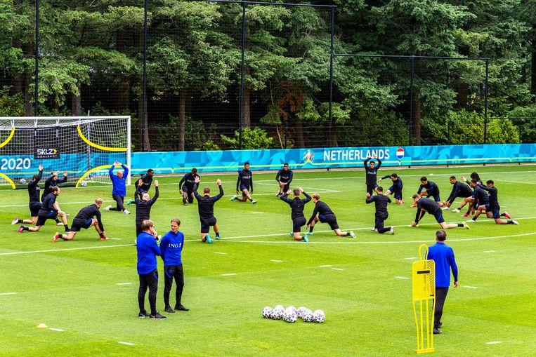 Het Nederlands elftal eerder deze week tijdens een training in Zeist. Beeld Marcel van Dorst/Pro Shots