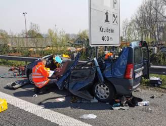 Twee personen levensgevaarlijk gewond bij ongeval in staart van file op E17