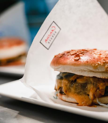 Ce restaurant fait gagner un an de burgers gratuits à 10 Belges