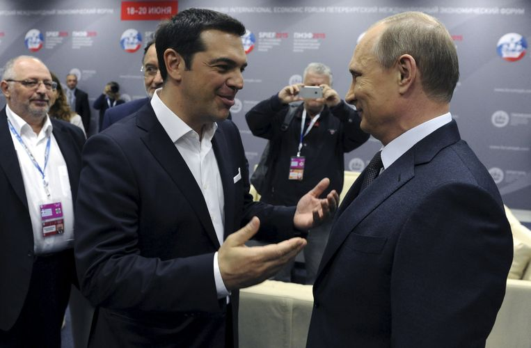 Grieks premier Tsipras en Russisch president Poetin ontmoetten elkaar vandaag op het Internationaal Economisch Forum in Sint-Petersburg.