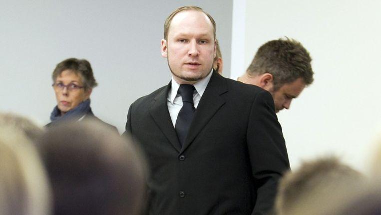 Breivik arriveert gisteren in de rechtszaal voor de zaak die tegen hem loopt. Beeld reuters