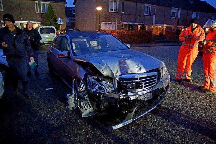 Vijf auto's zwaar beschadigd na botsing in Sprang-Capelle.
