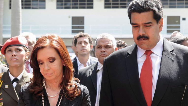 De Argentijnse Cristina Kirchner met de Venezolaanse vicepresident Nicolas Maduro Beeld afp