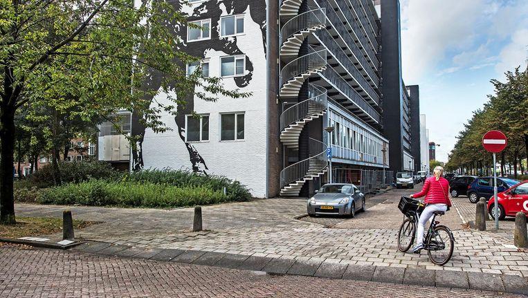 Socialehuurflat De Boel in Amsterdam valt voortaan in de vrije sector. Beeld Guus Dubbelman/de Volkskrant