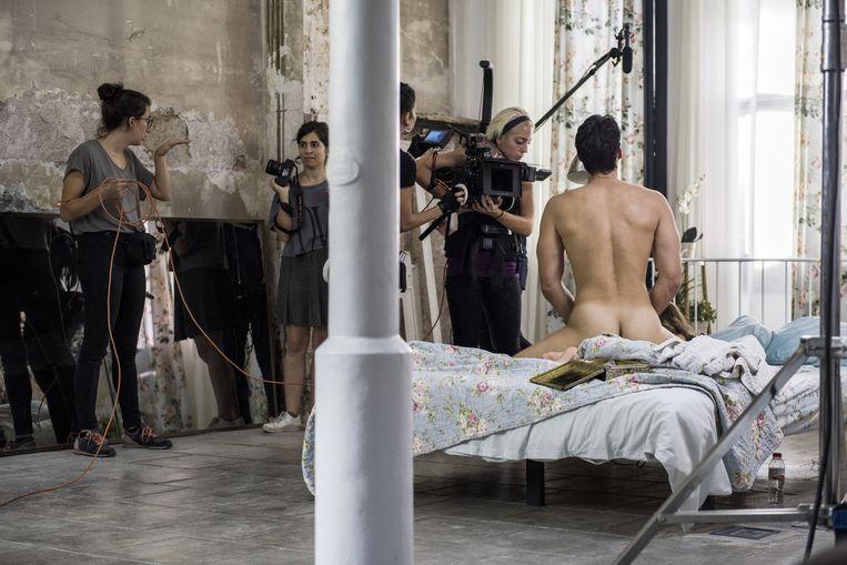 Op de set van Erika Lusts 'porna'-film. Beeld Robin De Puy